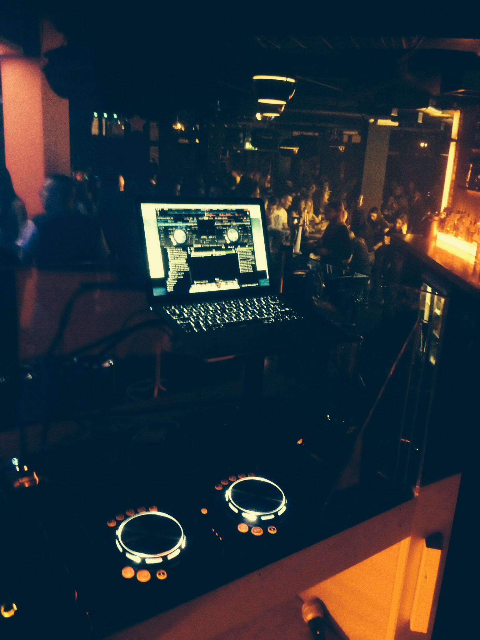 Bars & Clubs Dj Hire Doncaster - Mobile Disco Doncaster